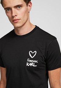 KARL LAGERFELD - FOREVER  - Print T-shirt - black - 2