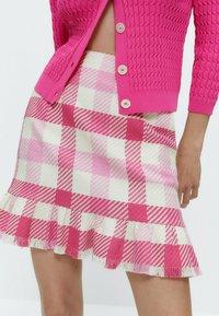 Uterqüe - MIT VOLANTS - A-line skirt - pink/white - 4