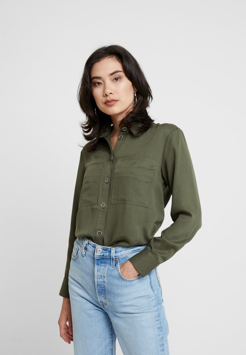 Esprit - UTILITY BLOUSE - Button-down blouse - khaki green
