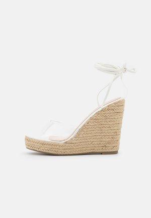 SAFIYA - Sandály na platformě - clear