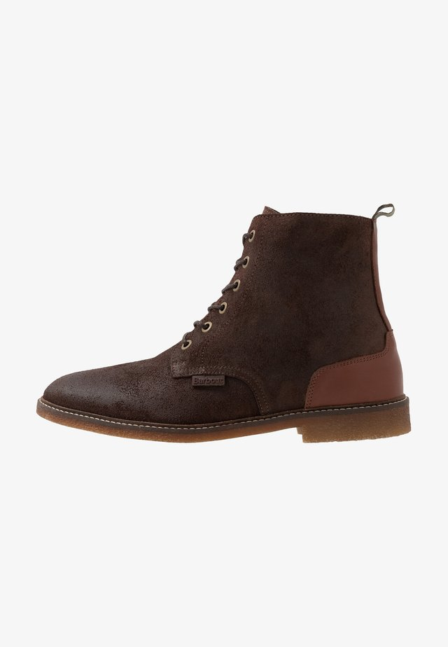 MOJAVE LACE UP BOOT - Botki sznurowane - dark brown