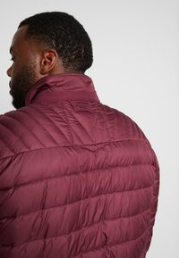 LERROS - LIGHT WEIGHT BLOUSON  - Light jacket - dark berry - 6