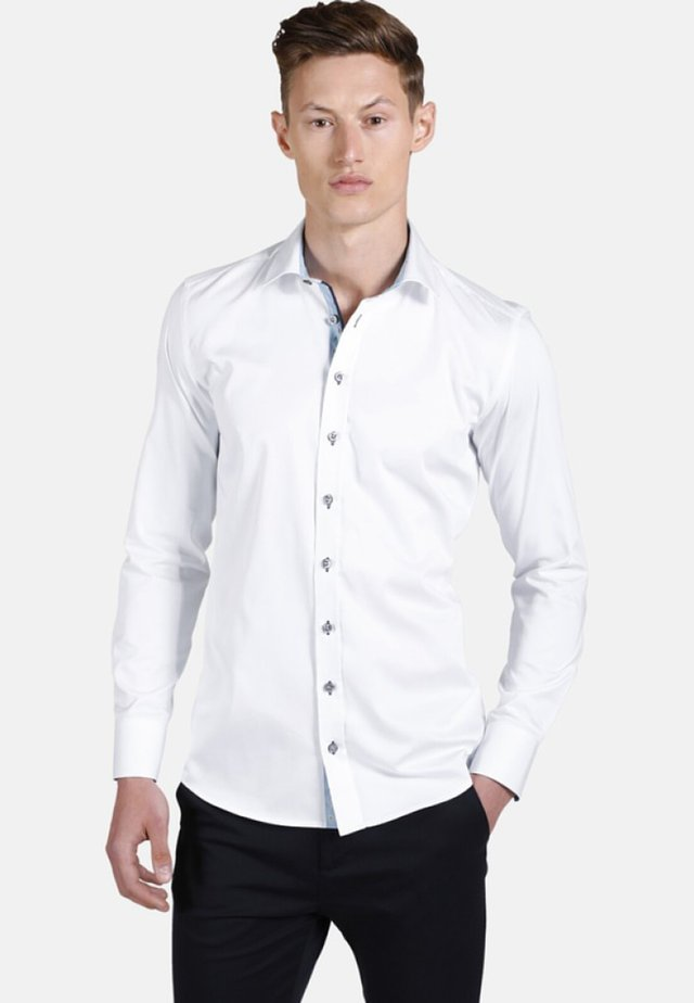 LEAVES FALLING - Chemise classique - white