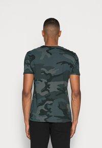 Alpha Industries - BASIC T - Basic T-shirt - black - 2