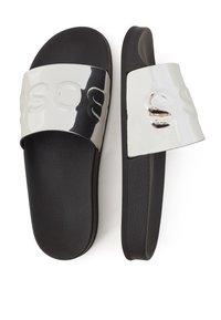 BOSS - Pantolette flach - silver - 2