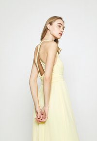 Nly by Nelly - LOVEABLE CROSS BACK GOWN - Occasion wear - light yellow - 4