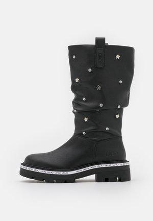TAILOR BOOT - Saappaat - black