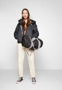 Nike Sportswear - HERITAGE - Sports bag - black/white - 6