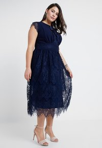 TFNC Curve - EXCLUSIVE FILLY MIDI DRESS - Gallakjole - navy - 0