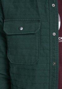 Jack & Jones - WORKWEAR-INSPIRIERTES - Shirt - darkest spruce - 6