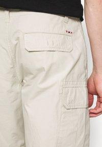 Napapijri - NOTO - Shorts - dove grey - 5
