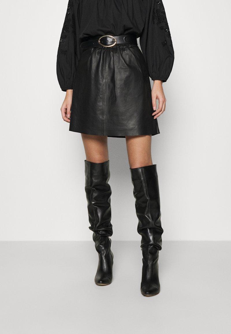Second Female - MELVIN MINI SKIRT - Áčková sukně - black