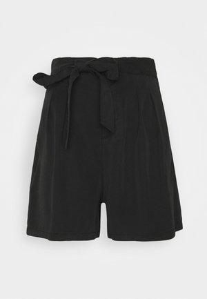 VMMIA - Shorts - black
