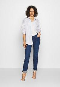 Levi's® - Skjorte - amaris/bright white - 1