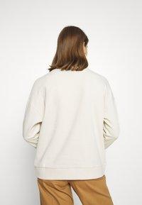 Vero Moda - VMLUCY  - Sweatshirt - birch - 2