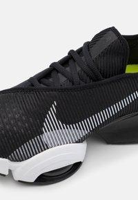 Nike Performance - AIR ZOOM SUPERREP 2 UNISEX - Zapatillas de entrenamiento - black/white - 0