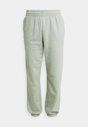 ALISA PANTS - Pantaloni sportivi - sage green