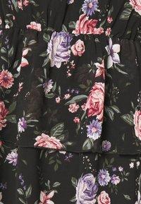 ONLY - ONLVIVIAN FLOWER FRILL DRESS - Denní šaty - black - 6