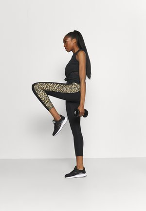 BELIEVE THIS 2.0 LACE AEROREADY WORKOUT COMPRESSION 7/8 LEGGINGS - Punčochy - black/hazbei