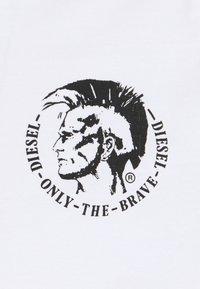 Diesel - UMTEE MICHAEL 3 PACK - Print T-shirt - white/blue/black - 6