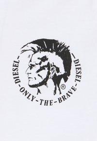 Diesel - UMTEE MICHAELV NECK 3 PACK - Print T-shirt - white/blue/black - 6