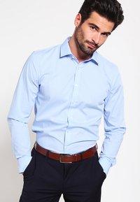 OLYMP - OLYMP NO.6 SUPER SLIM FIT - Formal shirt - hellblau - 0