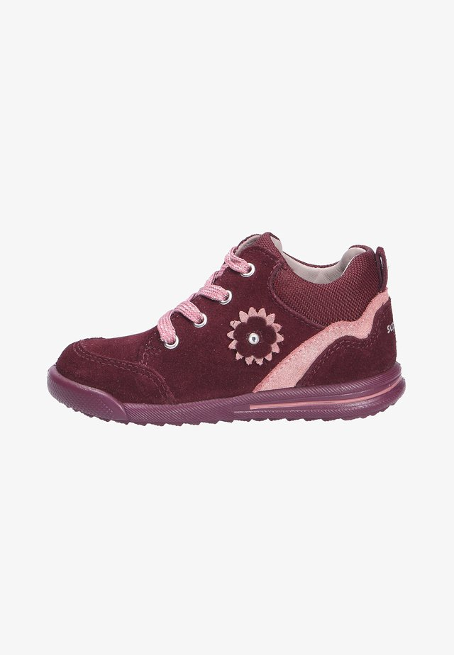 Baby shoes - rotrosa (5000)