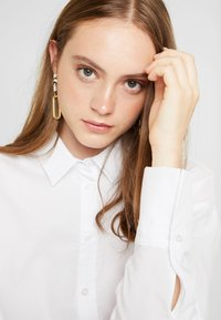 Gina Tricot - MISSY - Button-down blouse - offwhite - 3