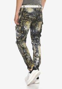 Cipo & Baxx - COOLER WASCHUNG UND ZIERNÄHTEN - Straight leg jeans - khaki - 2