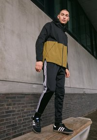 adidas Performance - URBAN RAIN.RDY - Regnjacka - black/wild moss - 4