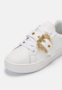 Versace Jeans Couture - Trainers - bianco - 9