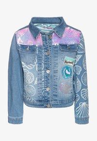 Desigual - CHAQ CEREZAS - Denim jacket - jeans claro - 0
