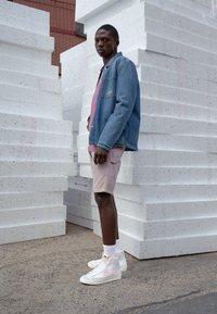 Nike Sportswear - BLAZER MID '77 UNISEX - High-top trainers - white/pink/sail - 0
