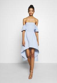 Missguided - BARDOT HIGH LOW MIDI DRESS - Sukienka koktajlowa - powder blue - 1