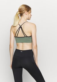 South Beach - GRADIENT STRAPPY  - Light support sports bra - black - 2