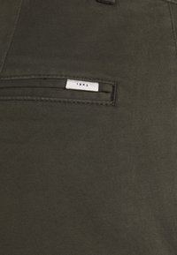 Tiger of Sweden - TRANSIT - Trousers - black green - 5