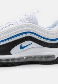 Nike Sportswear - AIR MAX 97 UNISEX - Sneakers laag - white/signal blue/black/pure platinum - 5
