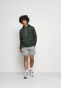 Nike Sportswear - HOODIE - Kapuzenpullover - galactic jade - 1