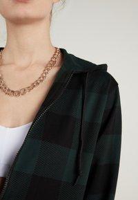 Tezenis - Zip-up hoodie - schwarz - black/pine green tartan check - 2