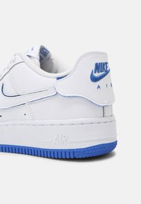 Nike Sportswear - AF1/1 BG UNISEX - Baskets basses - white/royal blue - 6