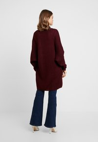 Missguided - OVERSIZED BATWING CARDIGAN - Kardigan - burgundy - 2