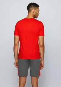 """BOSS - """"TEE CURVED"""" - Basic T-shirt - red - 2"""