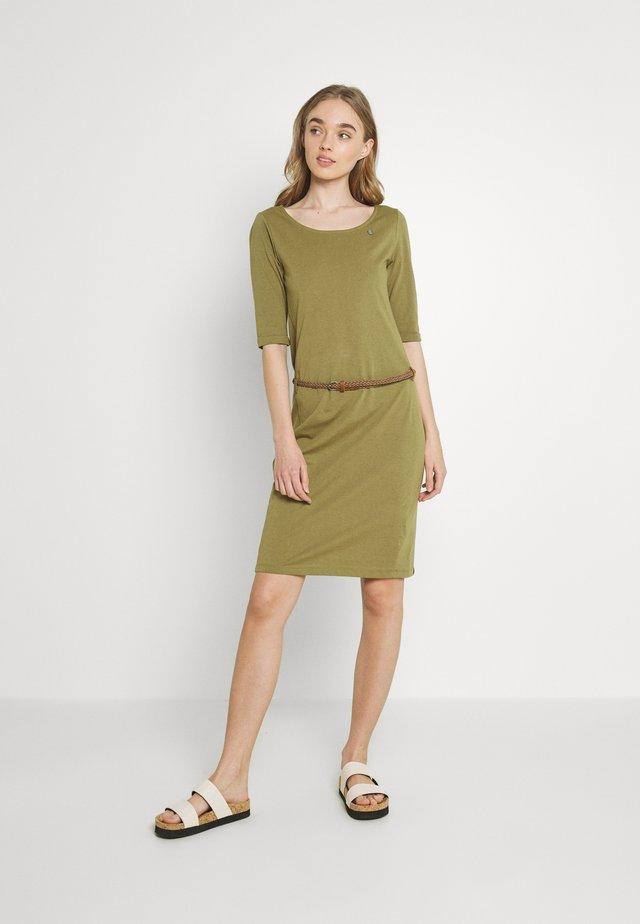 TAMILA  - Žerzejové šaty - khaki