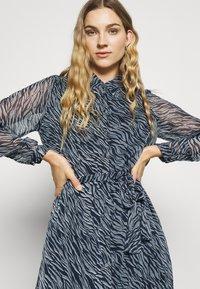 Vero Moda Tall - VMRYLEE MALLY SHIRT DRESS  - Maxi dress - flint stone - 3