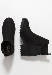 River Island - Classic ankle boots - black - 0