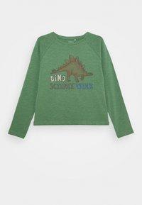 Name it - NMMTHELO - Maglietta a manica lunga - dark ivy - 0