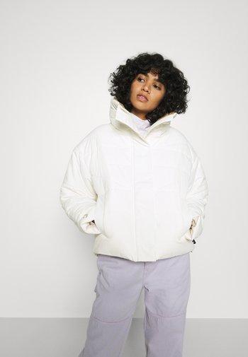 FUNNEL NECK PUFFER JACKET - Winter jacket - vintage white