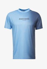 Daily Basis Studios - SIDE FADE TEE - T-shirt basic - navy/light blue - 3