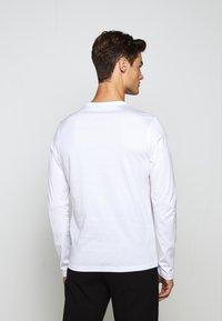Belstaff - LONG SLEEVED  - Long sleeved top - white - 4