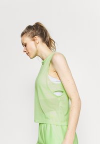 Under Armour - MUSCLE TANK - Sports shirt - summer lime - 4